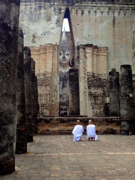 Nuns at Si Chum